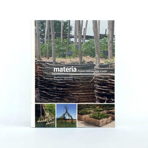 Couverture du livre Materia