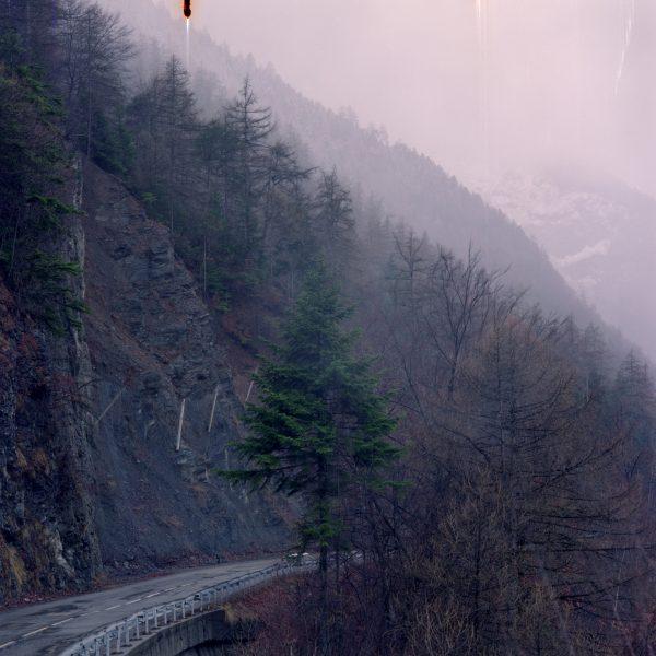 The Maurienne was named 'Aluminum valley' for the numerous aluminum factories along its river, the Arc. The production rejected a significant quantity of fluorine in the air, poisoning people, cattle and forests. Mountains from the Maurienne are covered with spruce trees which don't lose their needles during winter (thus, they continue to breathe) and as a result are highly sensitive to an excess of fluorine in the air, causing an increased risk of landslides and damages to the forest.  La Maurienne fut surnommée 'La vallée de l'aluminium' en raison du grand nombre d'usines en produisant le long de sa rivière, l'Arc. La production d'aluminium suscite le rejet important de fluor dans l'air de la vallée, empoisonnant les humains, le bétail et les forêts. Les montagnes de Maurienne sont recouvertes d'épicéas qui, ne perdant pas leurs aiguilles en hiver (et continuant donc à respirer), sont très sensibles à la pollution au fluor. D'où un plus grand danger de glissements de terrain et de dégâts dans les forêts.